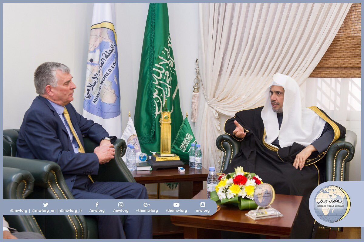 The S.G. received in his office in Riyadh the Irish ambassador to the KSA, Mr. Tony Cotter. They discussed bilateral cooperation.