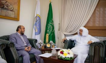 The SG of the MWL Dr. Alissa receives the President of Rohingya Solidarity Organization Mr. Salimullah Abdurrahman