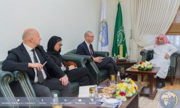 H.E. the MWL's Secretary General in an extended meeting with senior editors of the American Wall Street Journal